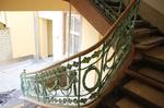 Rekonstruierter Handlauf auf restauriertem Geländer