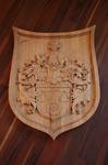 Wappen geschnitzt